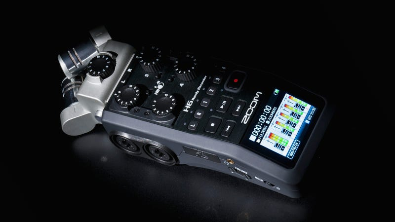 Illustration for article titled Zoom's New H6 Audio Recorder Will Make Any DSLR Filmmaker Salivate