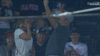 Kelby Tomlinson Gets His First MLB Hit, In Front Of His Wife