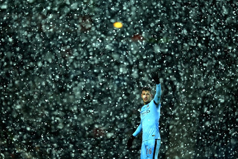 Illustration for article titled West Brom And Manchester City Played In A Real-Life Snow Globe Today