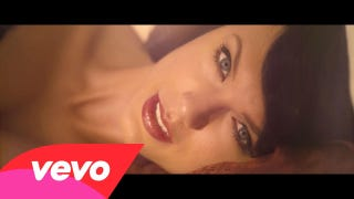 Taylor's 'Wildest Dreams' Is <i>Out of Africa</i> with an Old Hollywood Twist