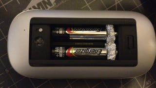 Illustration for article titled Convert AAA Batteries Into AA Batteries with Tin Foil