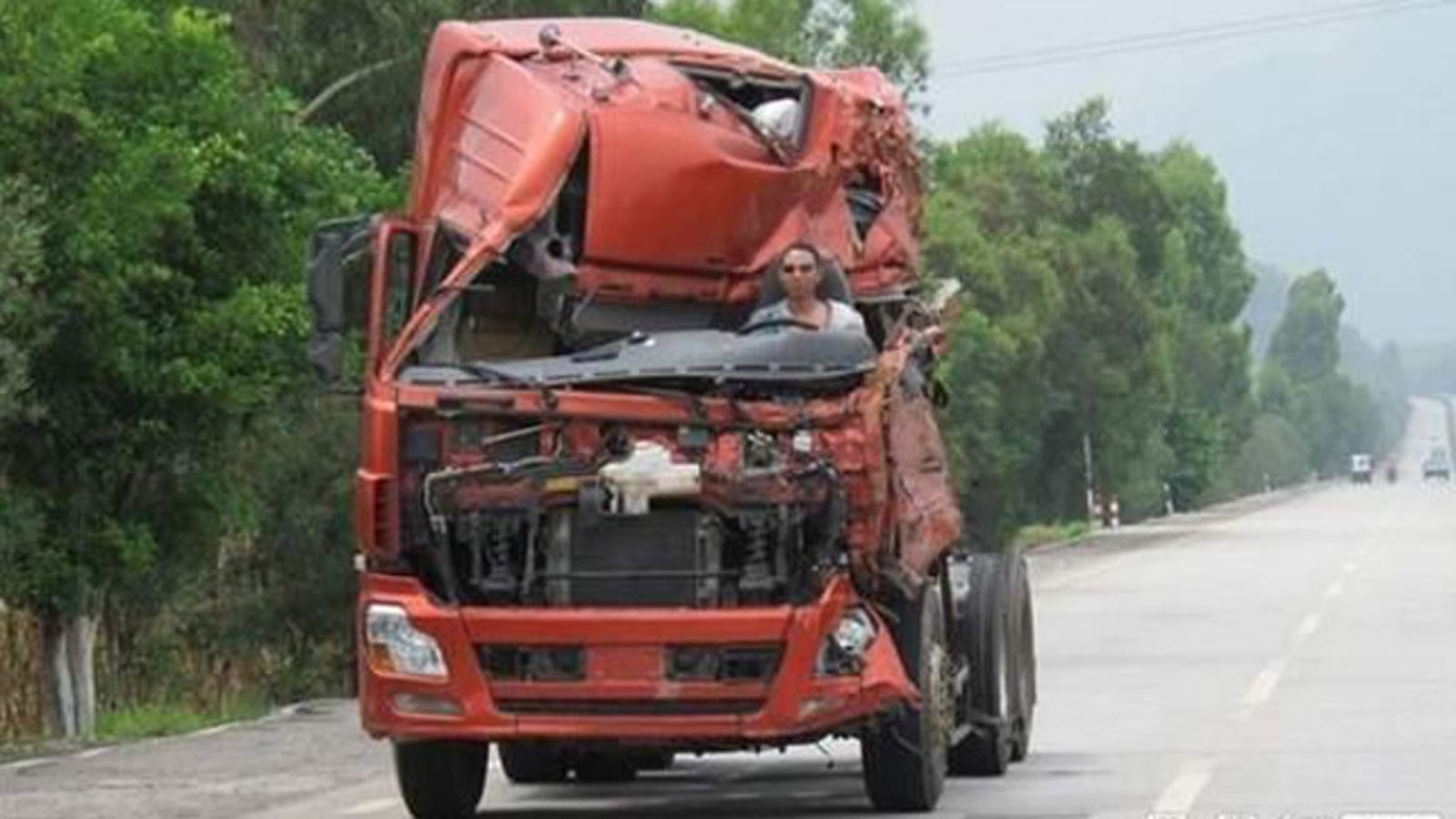 Progressive Near Me >> Chinese driver keeps on truckin' in wrecked semi