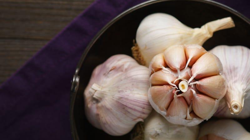 Hardneck garlic's cloves are clustered around a hard center stalk.