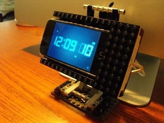 DIY Swivelling Lego iPhone Dock Fulfills Our Weekend Lego Quota