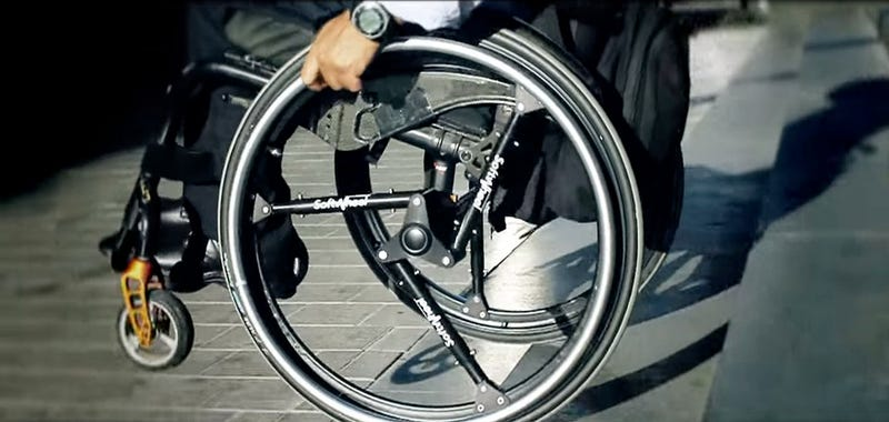 Illustration for article titled Softwheel, amortiguadores en vez de radios para reinventar la rueda