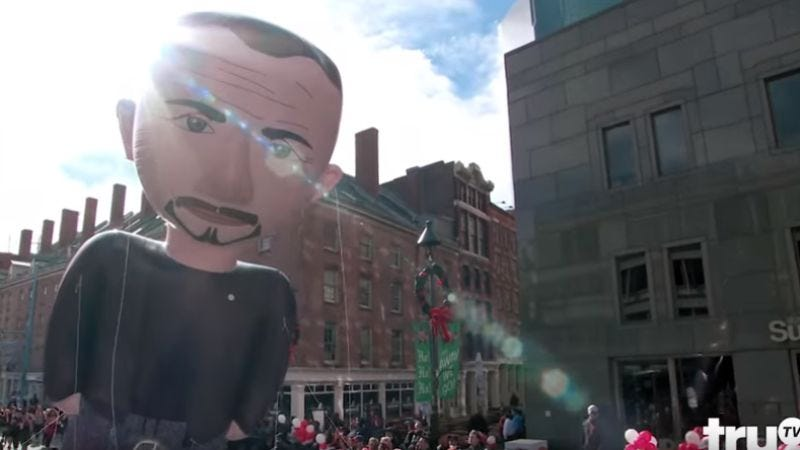 Illustration for article titled Billy On The Street's Thanksgiving parade has Katie Couric, a Sean Penn balloon