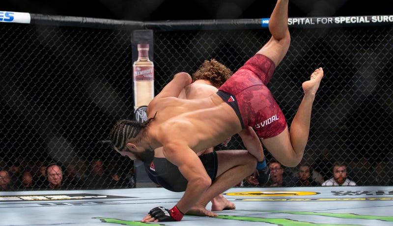 Illustration for article titled Jorge Masvidal's Flying Knee KO Of Ben Askren Was The Result Of Planning, Not Luck