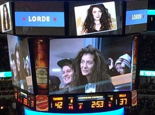 Illustration for article titled Lorde Live-Tweeting A Bulls Game Is Pretty Weird