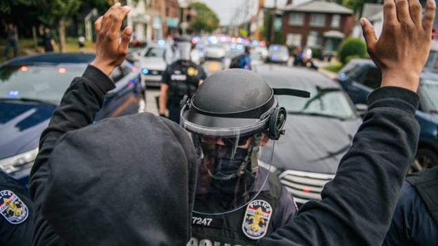 Louisville Police Take Down Inmate Lookup Site Amid Mass Arrest of Protesters