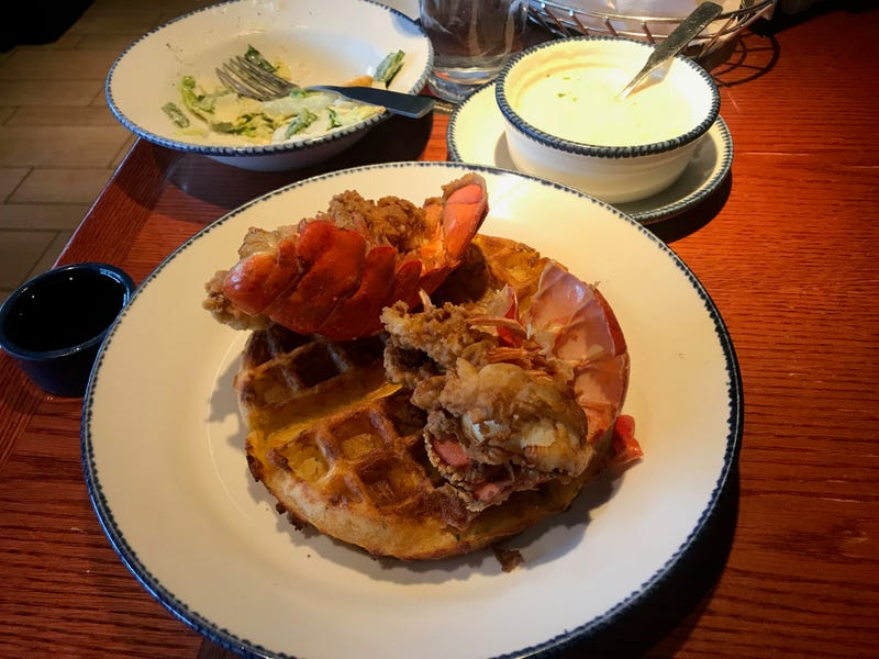 Illustration for article titled I Tried Red Lobster's Lobster and Cheddar Bay Biscuit Waffles and Lived to Tell About It