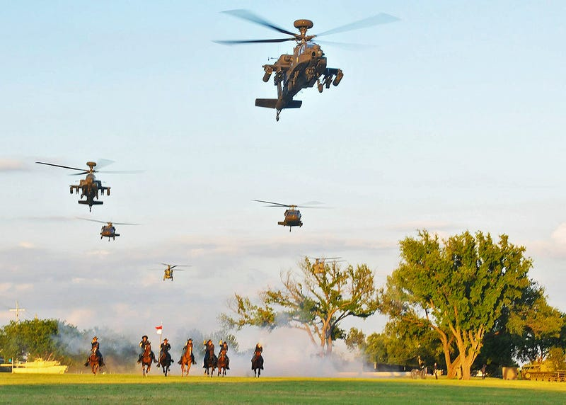 Illustration for article titled Celebrate The Army's 240th Birthday With This Ridiculously Awesome Photo