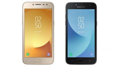 A Bug in Samsung's Default Texting App Is Sending Random