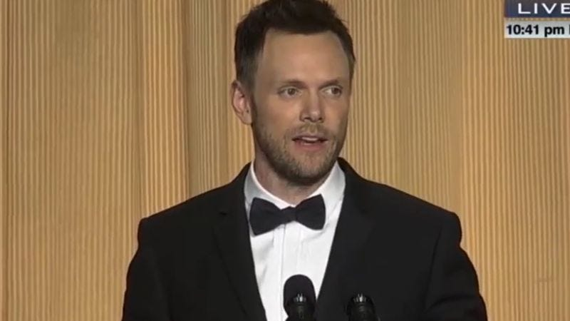 Joel McHale at the 2014 White House Correspondents Dinner (Screenshot: YouTube)