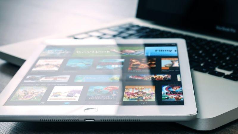 Illustration for article titled Cómo desactivar los nuevos anuncios de publicidad de Netflix (mientras puedas)