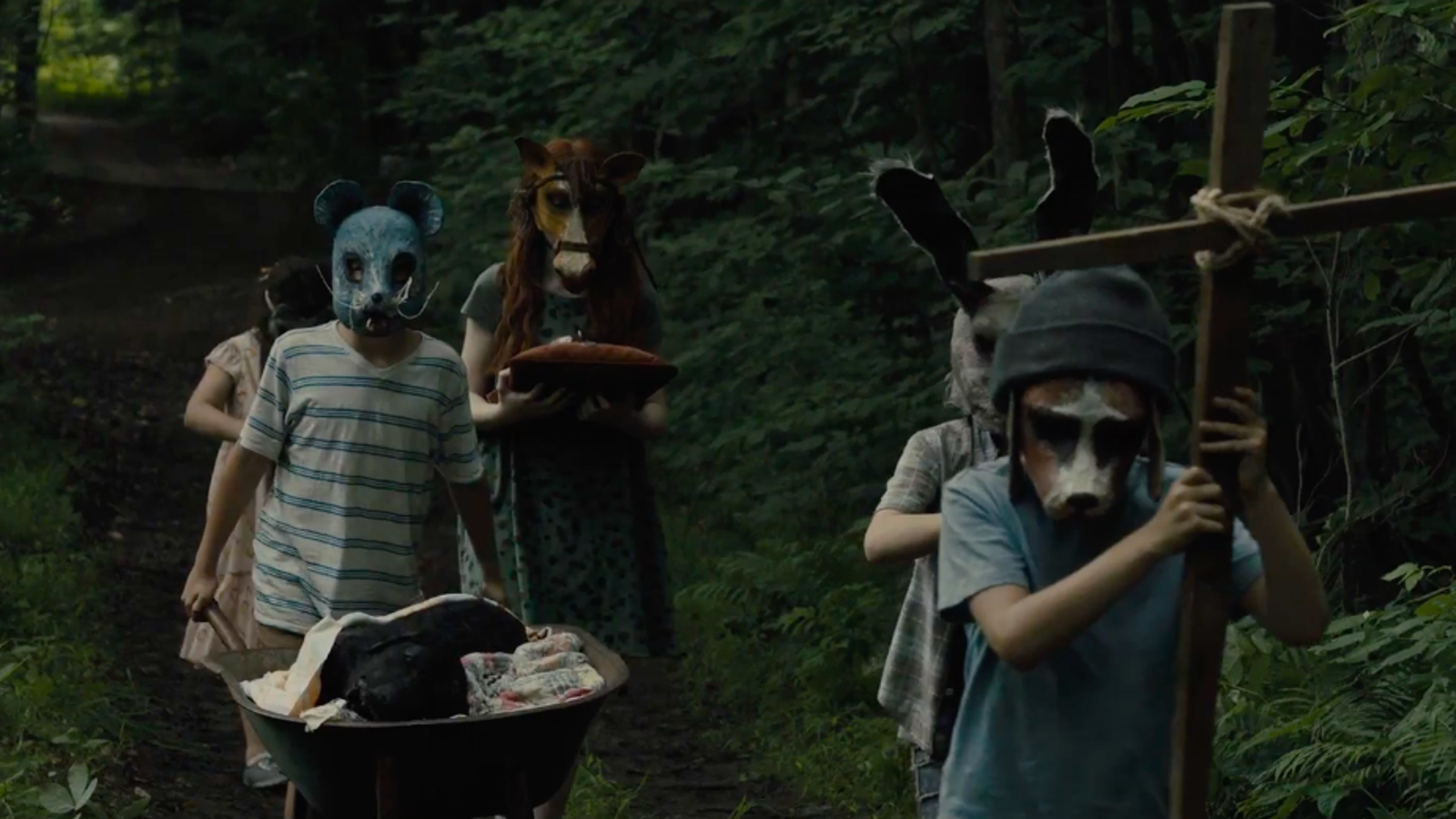 The First Disturbing Pet Sematary Trailer Is Here to Remind You to Leave Dead Things Alone