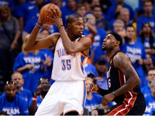Kevin Durant (left) and LeBron James (Ronald Martinez/Getty Images)