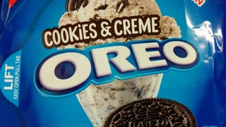 SnackTAYku: Cookies & Cream Oreos are the Ultimate Oreos (And Delicious)