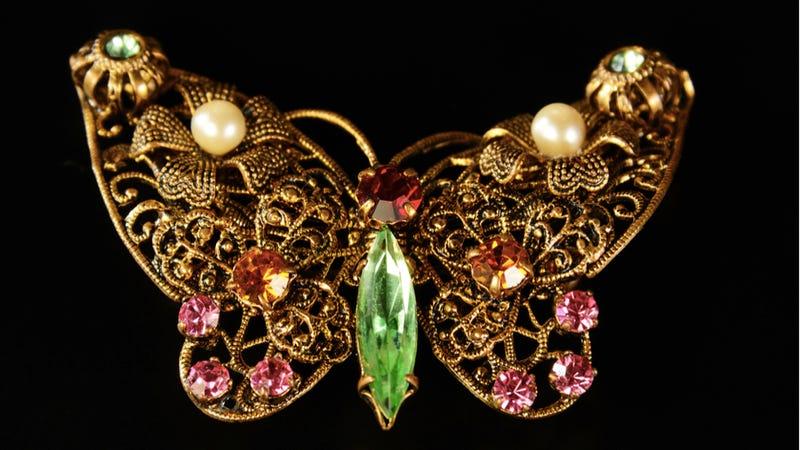 eff31cb7de419 Acid and Gold: The Modern Alchemy of Artificial Gemstones