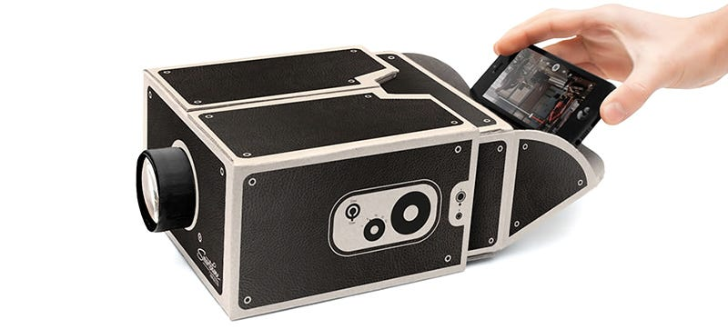 Illustration for article titled A Cardboard Projector That's Perfect For Your Papier Mâché Media Room