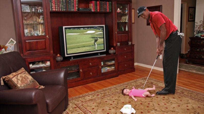 Illustration for article titled Tiger Woods Putts Baby Into Diaper