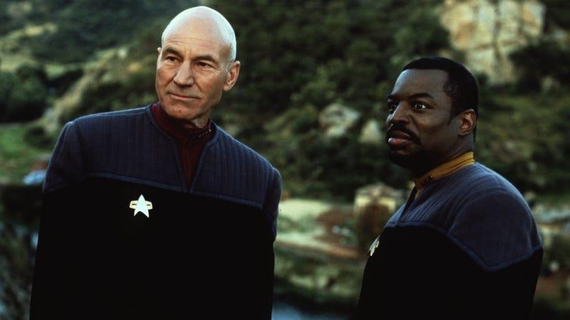 Illustration for article titled LeVar Burton Rounds Up Star Trek Costars for Reading Rainbow