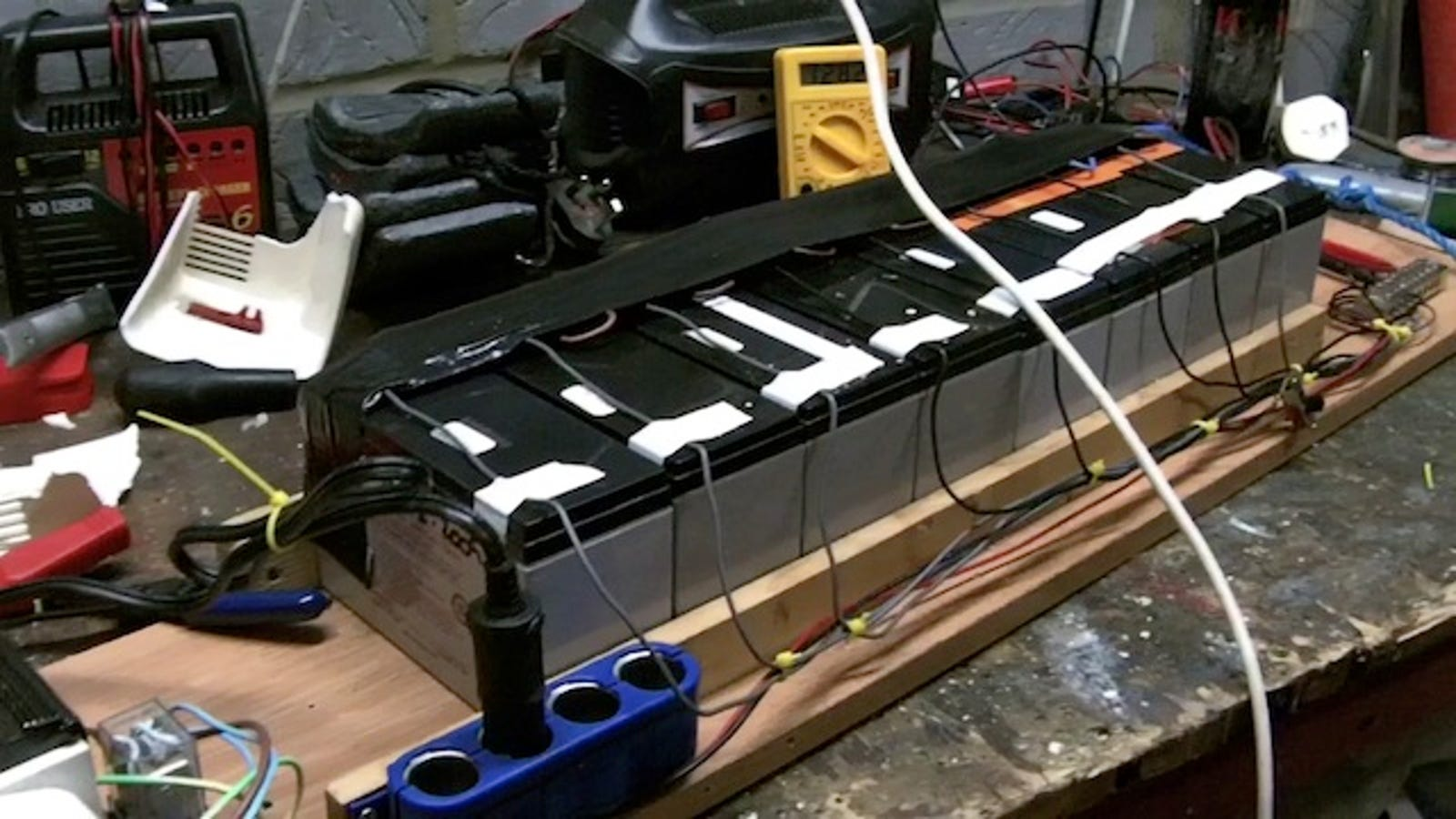 Make Your Own Diy Battery Backup System From Recycled