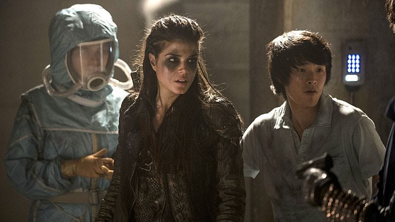 Eve Harlow, Marie Avgeropoulos, Christopher Larkin