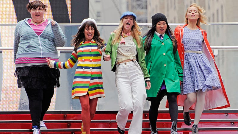 Illustration for article titled The Gals From Glee Make A Rainbow Connection