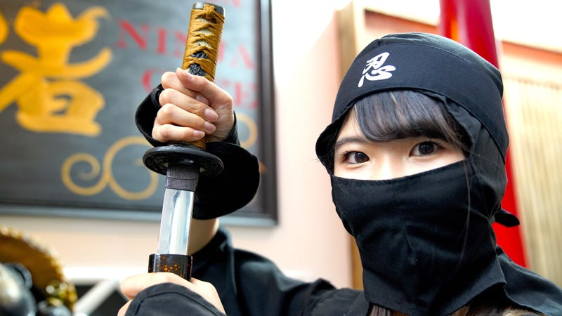 Illustration for article titled At Tokyo's Ninja Bar, Drink Beer And Throw Shuriken