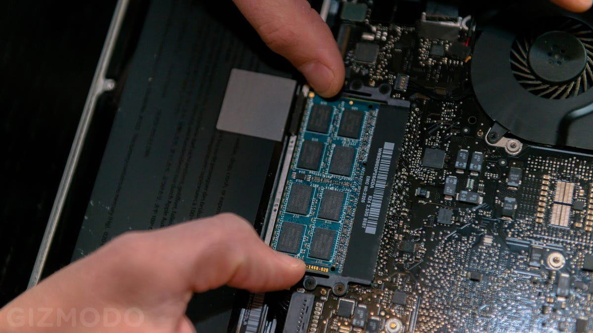 Quick and Easy MacBook Repairs That Will Save You a Small