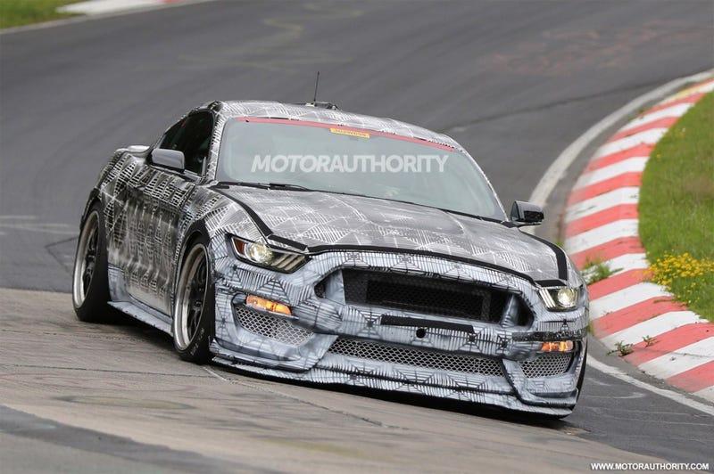 Illustration for article titled Ford's Flat Crank V8: A Speculation..