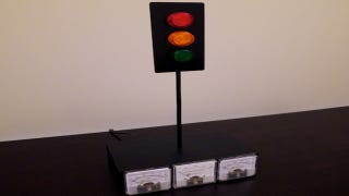 Illustration for article titled Xbox Live Traffic Light Notifies You When Friends are Gaming