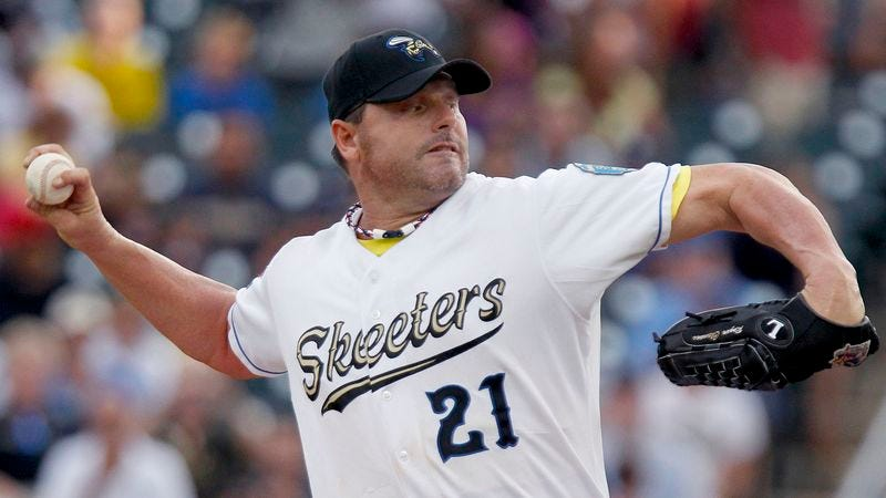 Illustration for article titled Baseball Experts: Roger Clemens Too Old For Steroids