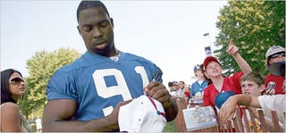 Illustration for article titled Justin Tuck Has One Less Check To Write
