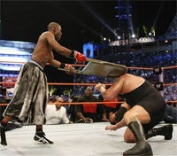 Illustration for article titled THQ vs WWE Lawsuit Thrown Out Of Court, Then Hit With Folding Metal Chair
