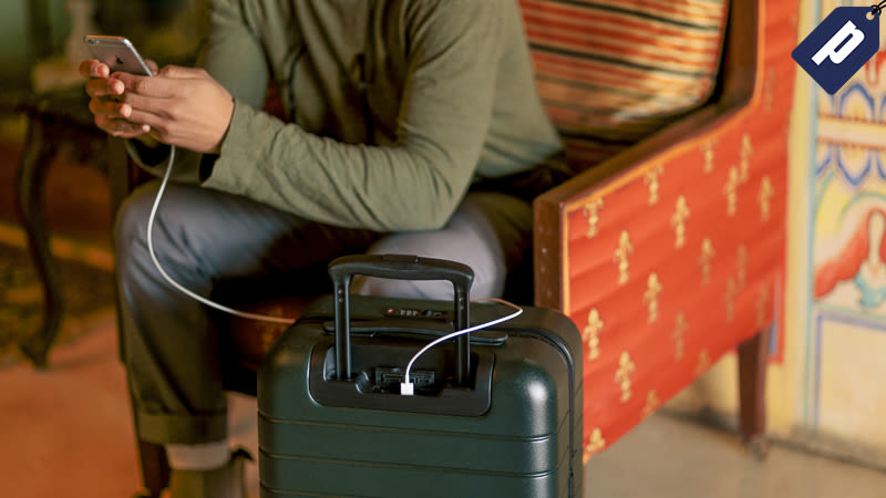 Illustration for article titled Away Luggage: Thoughtful Design Meets Durable Functionality ($20 Off)