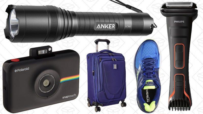 Illustration for article titled Las mejores ofertas del día: Linternas de Anker, maletas, deportivas y más