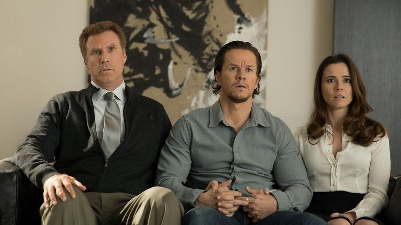 Illustration for article titled Daddy's Home doesn't get enough laughs out of its Ferrell/Wahlberg reunion