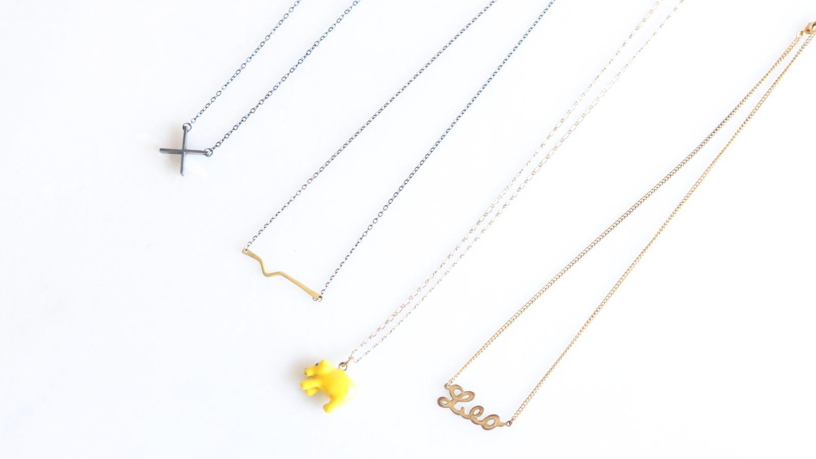 pack delicate necklaces using press  u0026 39 n u0026 39  seal wrap