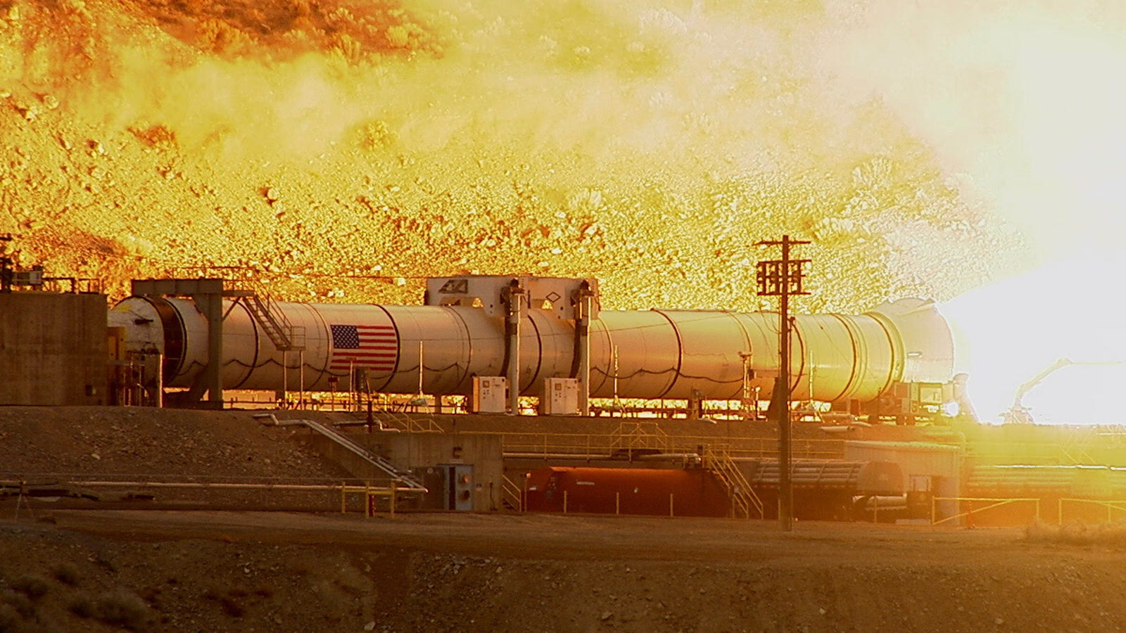 La NASA prueba con éxito el cohete más potente jamás construido