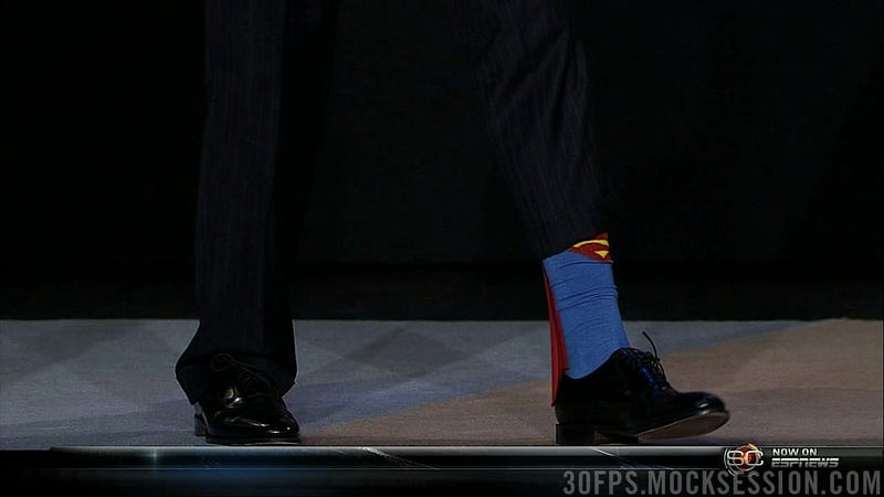Illustration for article titled Superman Socks, Nobody Wants Chris Paul, And Baseball Is Canceled: Good Morning!