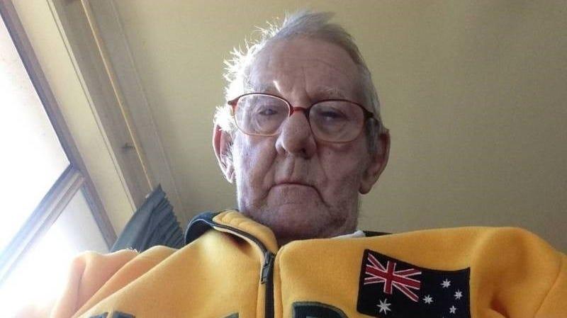 Illustration for article titled Tras años de soledad, este abuelo acudió a Internet en busca de un compañero de pesca. Internet respondió