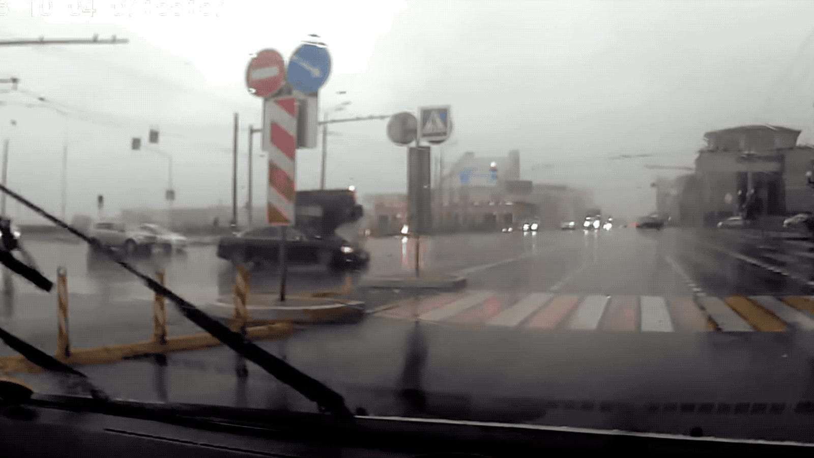 Russian Bus Runs A Red Light And Slams Into An Audi A8