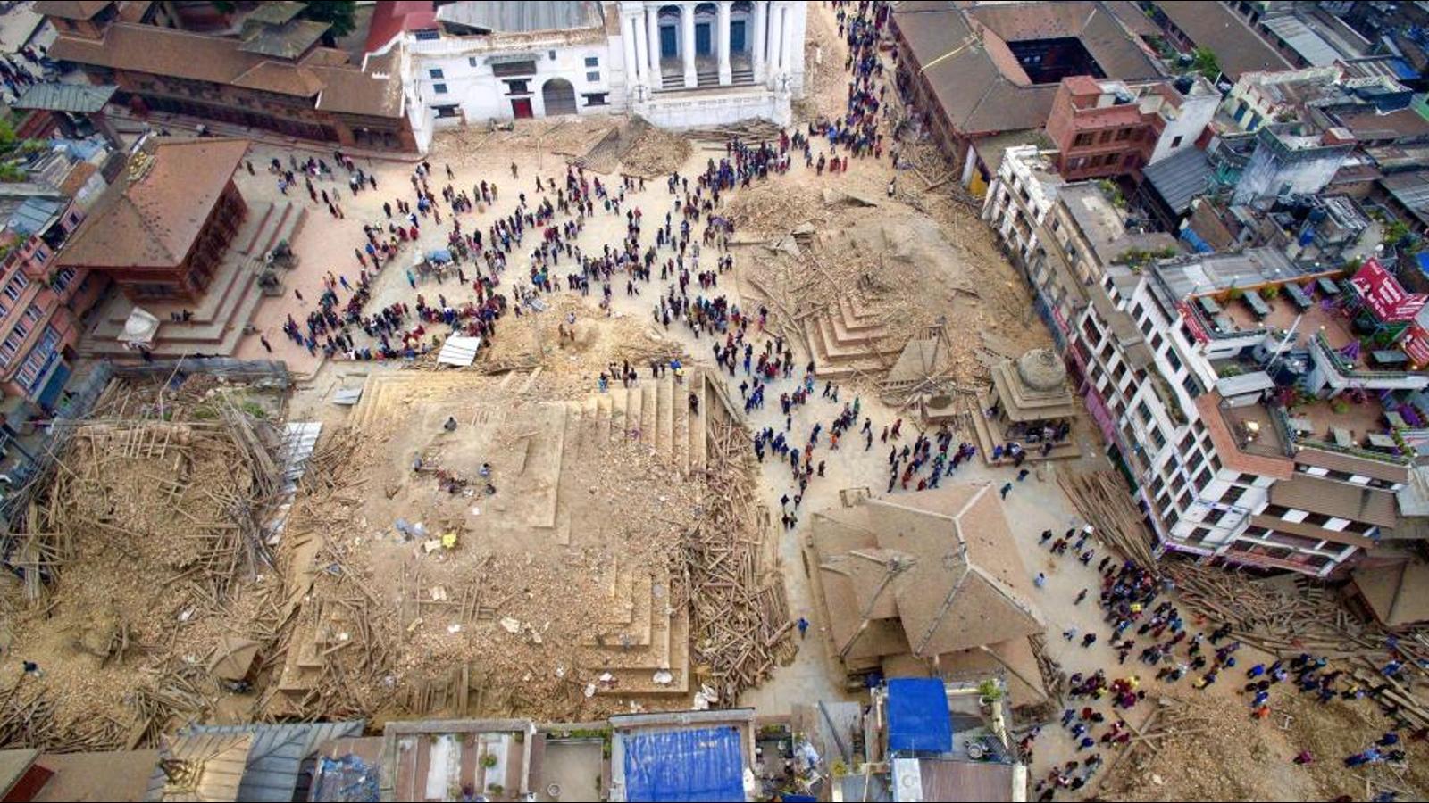 Imágenes en dron muestran la destrucción en Nepal tras el terremoto