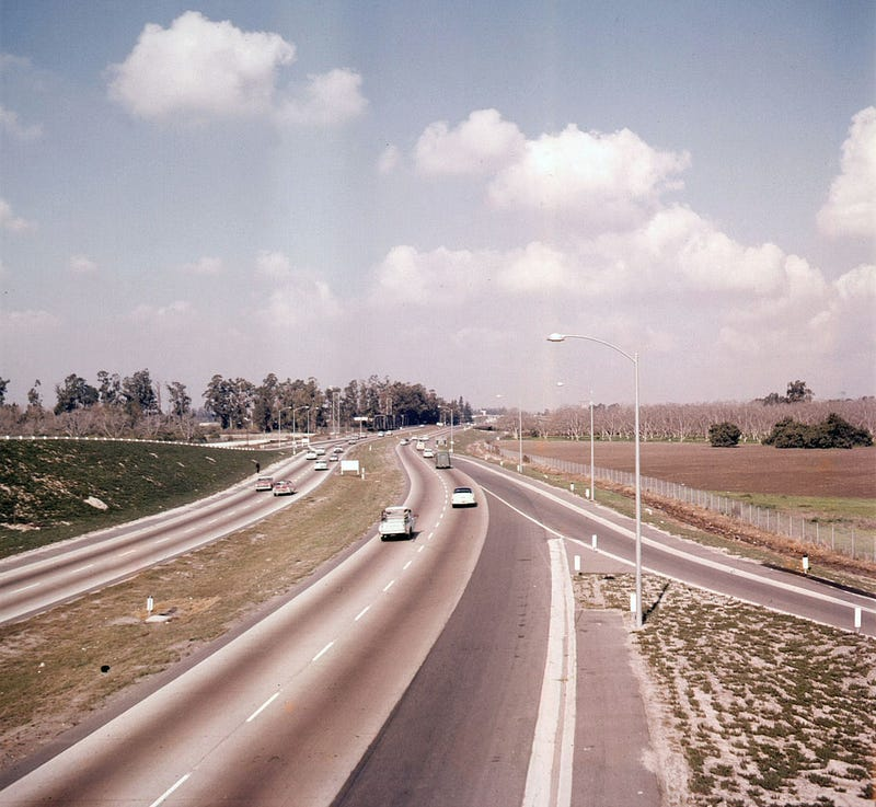 Illustration for article titled Photos: When Southern California's Freeways Were New (and Empty)