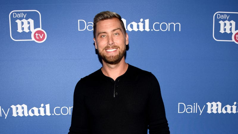Illustration for article titled Lance Bass got screwed out of buying the Brady Bunch house