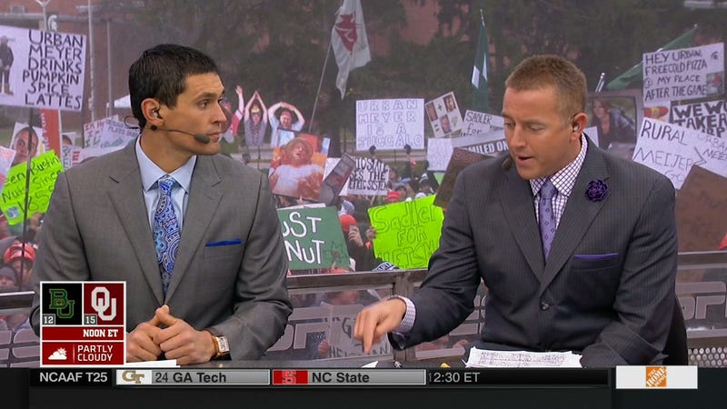 """Illustration for article titled """"Urban Meyer Is A Juggalo"""": Your College GameDay Sign Roundup"""