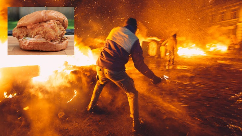 Illustration for article titled National disaster declared as Popeyes says it will run out of chicken sandwiches this week