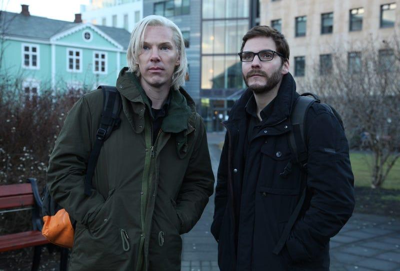 "Illustration for article titled Primera foto de ""Assange"" en la próxima película sobre WikiLeaks"