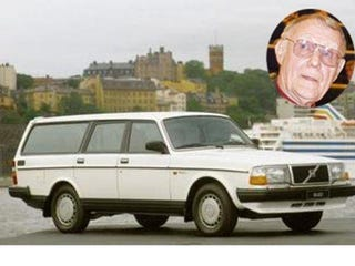 Illustration for article titled IKEA's founder drives a 1993 Volvo 245 wagon